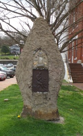 Daniel Boone Trail Marker, on the Washington County Courthouse grounds.