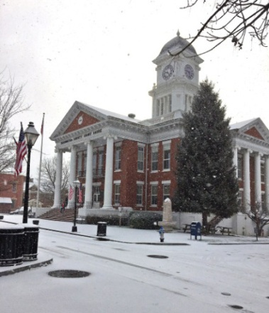 The Washington County Courthouse on a snowy March morning. Photo by Pennie Clark.