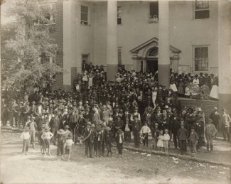 Washington County Courthouse during the prohibition election in 1887.