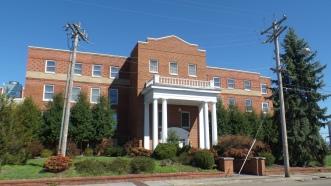 Memorial Hospital entrace, Boone Street.