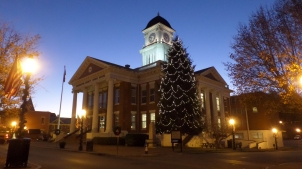 Courthouse - Christmas 2017