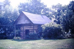 Bean Cabin at Valentine Devault house, Piney Flats