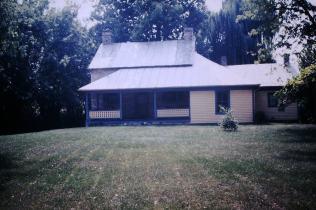 Range, Peter house, East Oakland Avenue, Johnson City